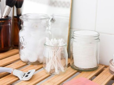 Utilizes Associated with Classic Shower Jars As well as Finding All of them