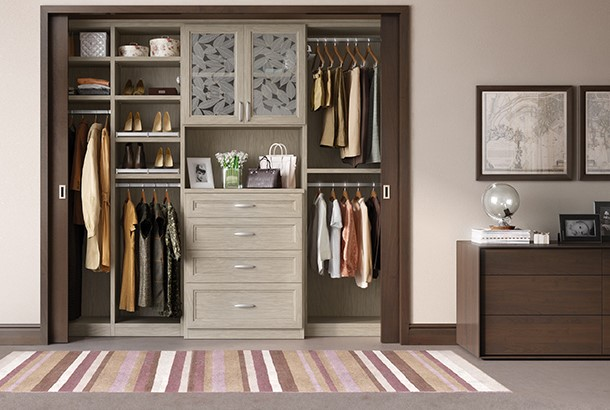 Slipping Doorway Wardrobes — How you can Remodeling Your own Bed room These days